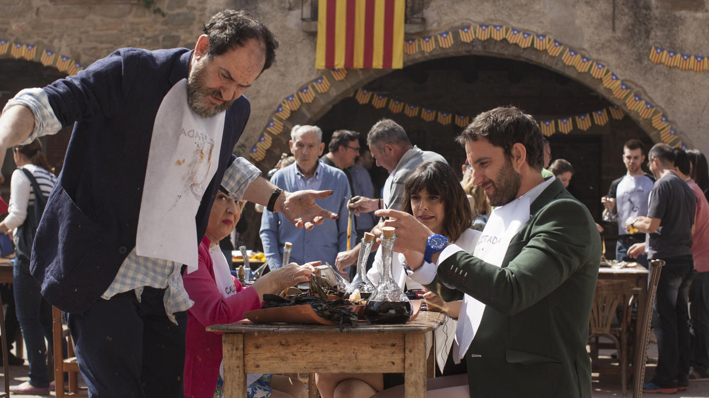 Calçots de Valls en La Casa de les Cireres. Tu casa rural . 8 Apellidos catalanes.